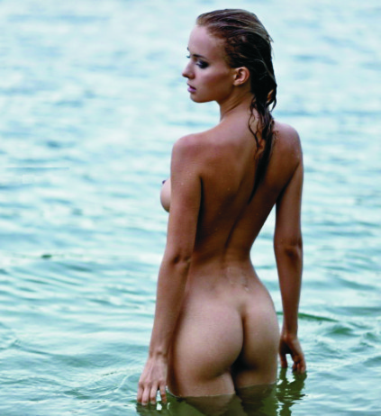 Russian escort Izmir girl feels free on nature; she is swimming totally naked under the summer sun