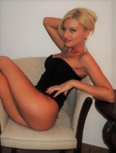 Izmir escort face love giver wears black and wants to make you her sexual slave, even for a short while